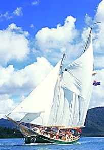 Windjammer - Barefoot Cruises Whitsundays